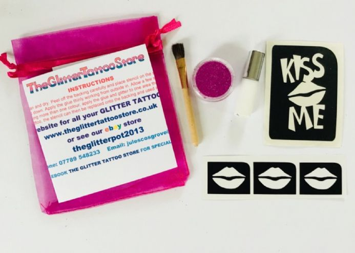 GIRLS KISS ME/LIPS HEN PARTY GLITTER TATTOO KIT-GLUE/STENCILS/PINK GLITTER/BRUSH